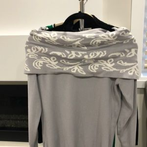 Sweaters - Divine Logic Grey and white sweater
